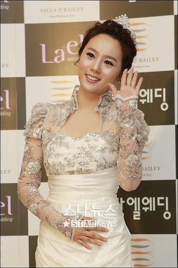 韩国女星李秀英已怀孕四个月 一门心思研究胎教
