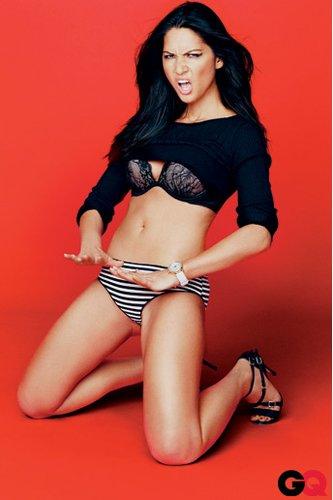 奥莉维亚·穆恩为《GQ》杂志拍摄性感写真(图)