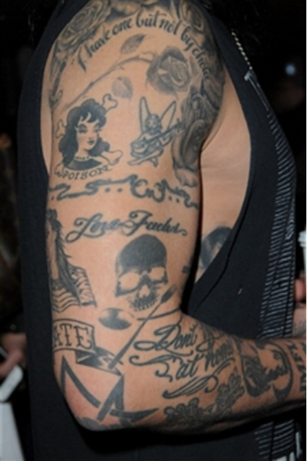 欧美歌手奇葩纹身盘点图片