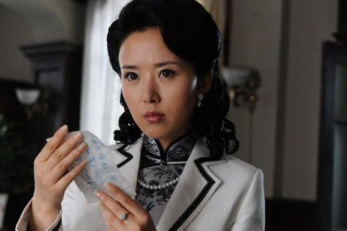 颜丹晨饰演的郭家月虽是间谍