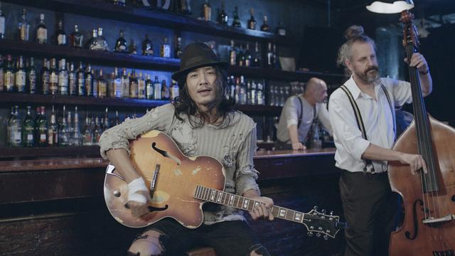 朴树MV跨国拍摄以情入戏 锋利直面人