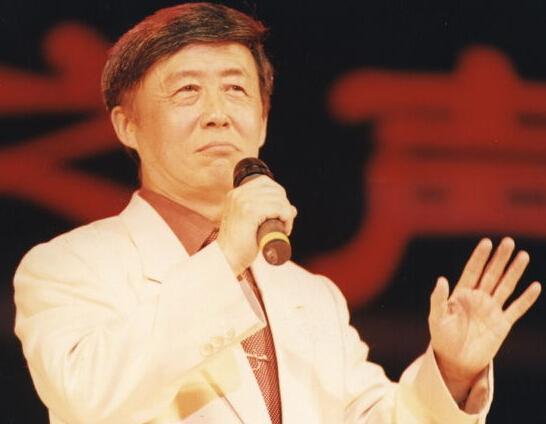 田连元遭遇车祸脑部血块较大 亲属哭瘫在医院