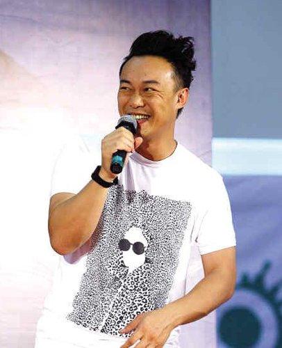 """陈奕迅广州个唱只有90分钟 否认自己是""""抢钱"""""""
