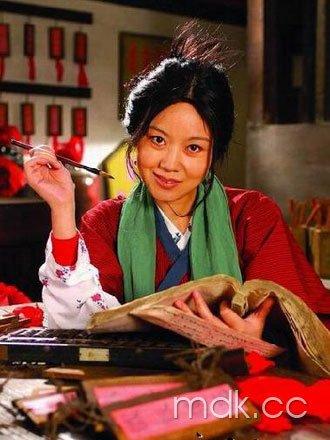 闫妮不理离婚传闻 忙拍新片《大魔术师》