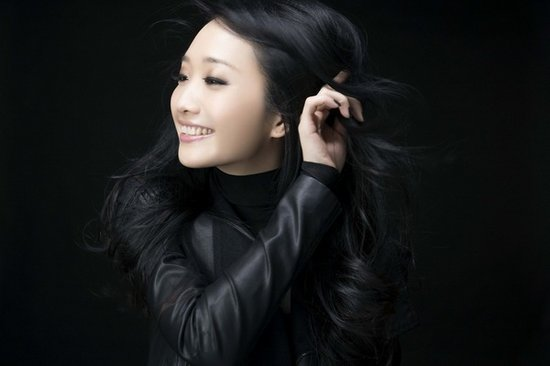 陈妍希联袂朱俐静毕书尽 QQ音乐上海首唱会抢票