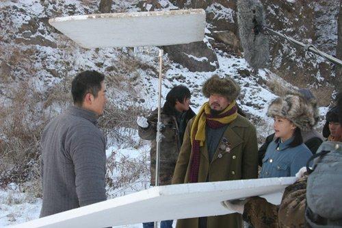 《枪火》片场天寒地冻 马雅舒自曝取暖小妙招