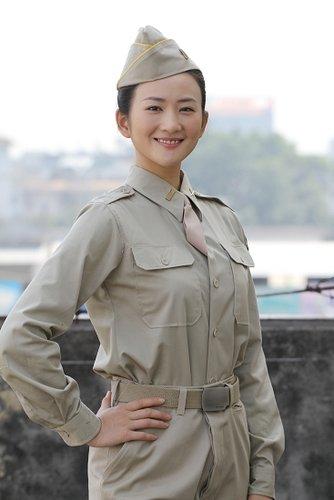 《中国远征军》瑞丽热拍 李玥再着军装英姿飒爽