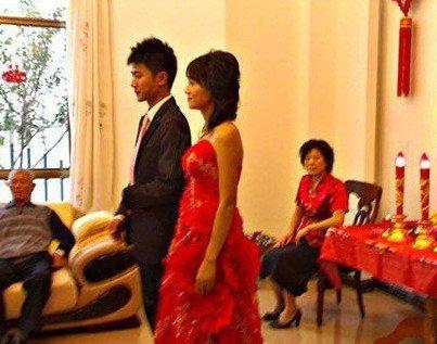 朱丹与前夫结婚照曝光 6个月闪婚1年后闪离(图)