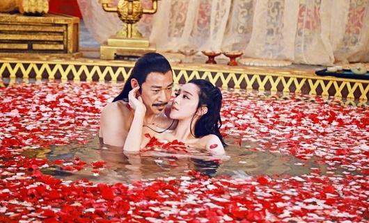 《武则天传奇》定档12月19日 范冰冰穿3D龙袍