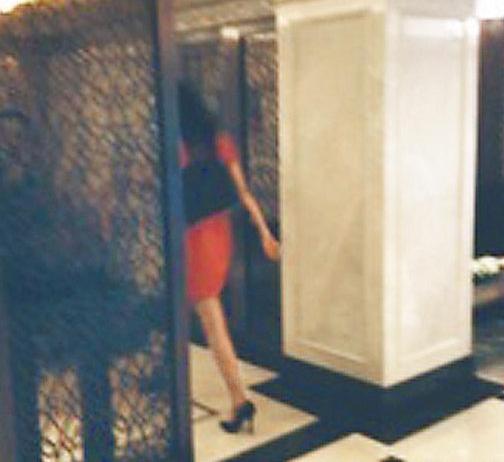 林志玲被曝与邱士楷上海看豪宅 回应称只是朋友