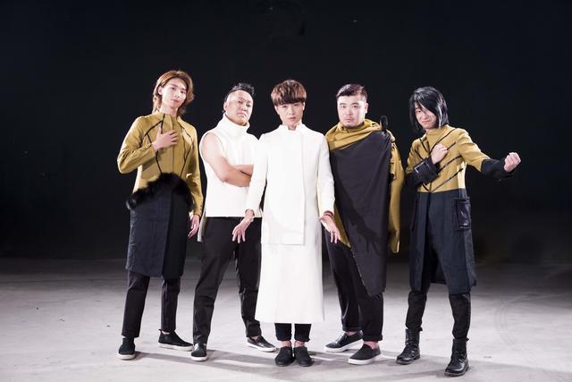 火铃铛乐队开启首次双城巡演 与严艺丹合作新曲