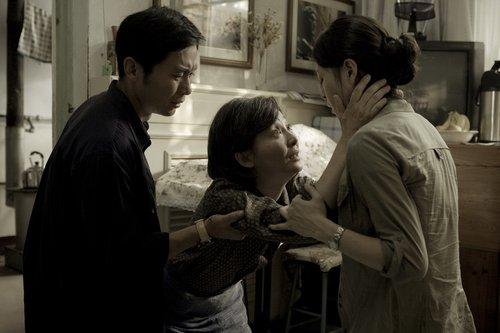 《唐山》主演徐帆:冯小刚只把合适的角色给我