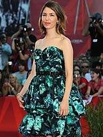 索菲亚印花裙俏丽迷人