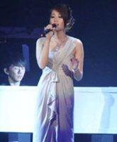 女歌手A-Lin串烧演唱