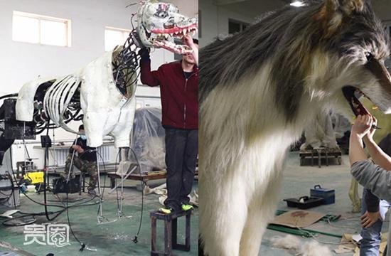 """在""""盛悦国际""""的厂房中,若干静态的仿真动物如博物馆标本般陈列其间"""