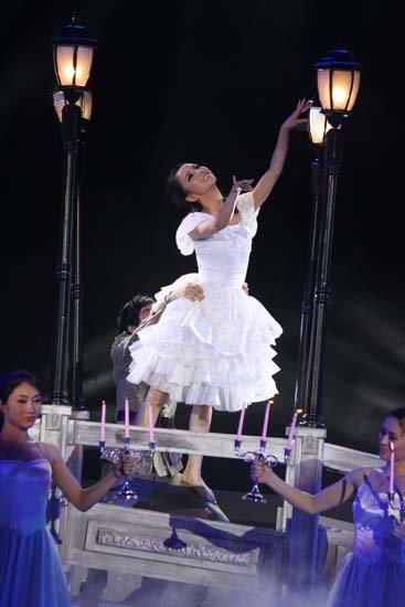 佟丽娅《舞动》驾驭力量型舞蹈 可塑性强获好评