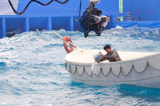 《少年派》11月22日上映 李安造最大水槽摄影棚