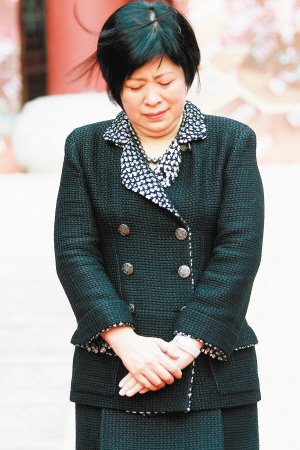 新《红楼梦》开播发布会 李少红哽咽李小婉洒泪