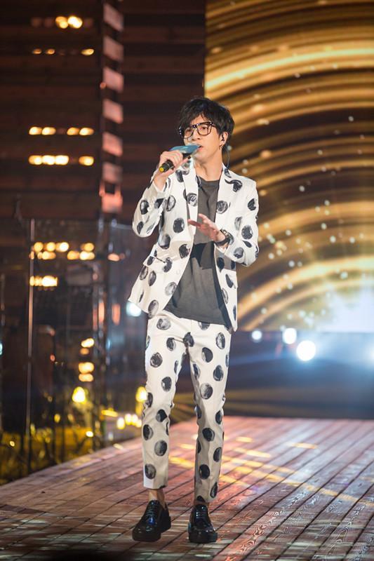 薛之谦迎来一首歌的时间 《金曲捞》引爆开场秀