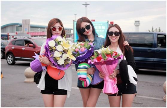 韩swinggirls女团远赴新疆行 高唱中韩友谊文化