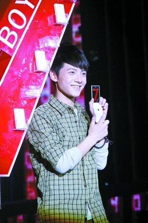 《快男》全国12强出炉 吴俊余成为最后晋级选手