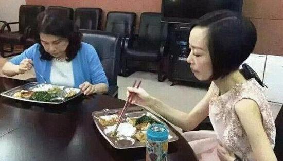 一顿只吃10粒米! 鲁豫的减肥原则太残忍