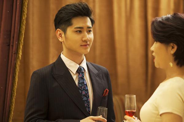 李雨轩两剧连播 《冰与火的青春》变身霸道总裁
