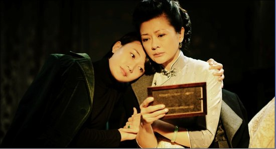 《彼岸1945》浙江热播 男女主角感情升温共患难