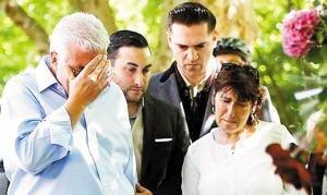 艾米·怀恩豪斯私人葬礼举行 死因四周后有结论