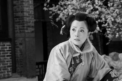 苑琼丹出演《欢喜婆婆》 偷师周星驰喜剧本领