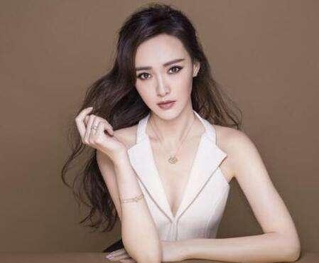她把杨幂王俊凯都拍成范冰冰,自己也变冰冰了
