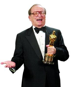 2005年,正西道德尼·吕美特获奥斯卡一齐生效实奖品。图/CFP