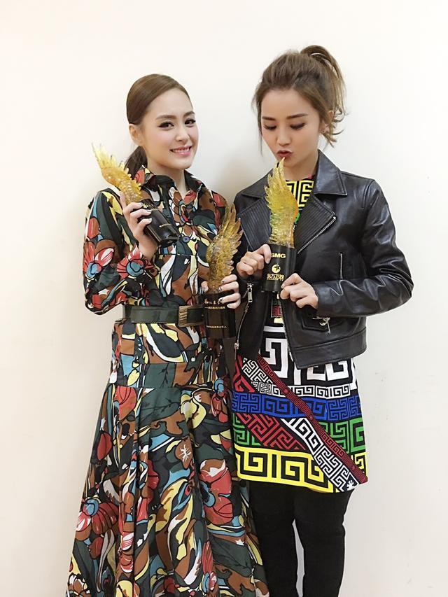 Twins斩获娱乐影响力三项大奖 积极备战唱演会