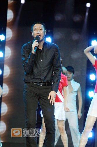金鹰节颁奖晚会 张国强开唱《我相信》显歌技