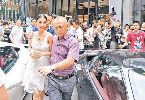 张柏芝离婚后身价暴升 出席活动容光焕发(图)