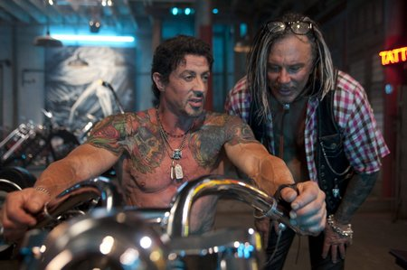《敢死队》20日国内上映 史泰龙将偕李连杰来华