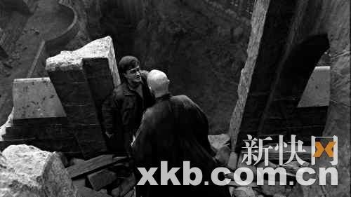 """《哈利·波特》最后一战 斯内普为爱""""无间道"""""""
