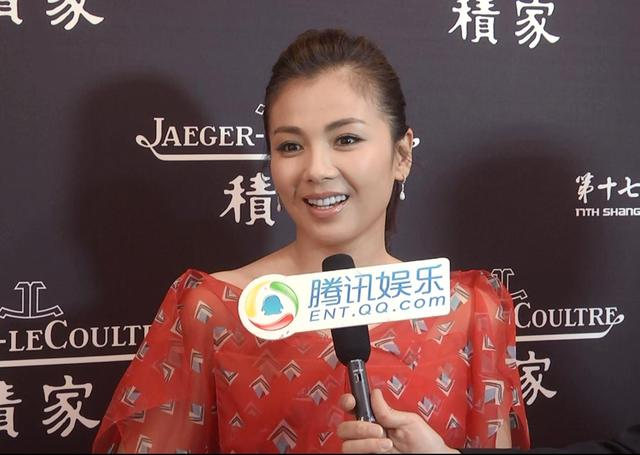上影节红毯专访王岳伦:推荐Angela看《星你》