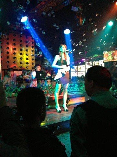 《中国偶像》丁可张青携首波主打歌曲来渝宣传