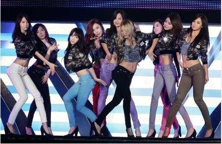 少女时代被日本媒体誉为美腿组合