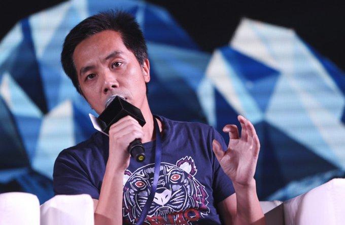 毕业于武汉大学新闻系的谢涤葵,曾是一个严肃的新闻人。