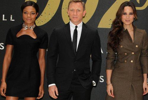 007系列电影《天幕坠落》宣传会 广受媒体好评