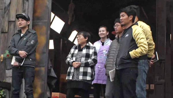 訾鹏崔叔控诉网投 李银河劝居民轻视网络暴力