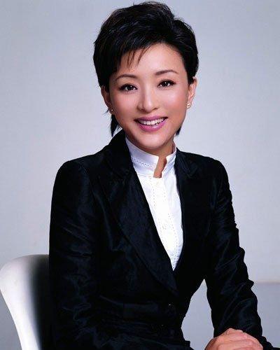 政协委员杨澜两会提案 关注流动青少年职业教育