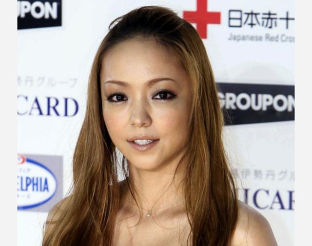 安室奈美惠宣布引退后首现身 五千人争相观看