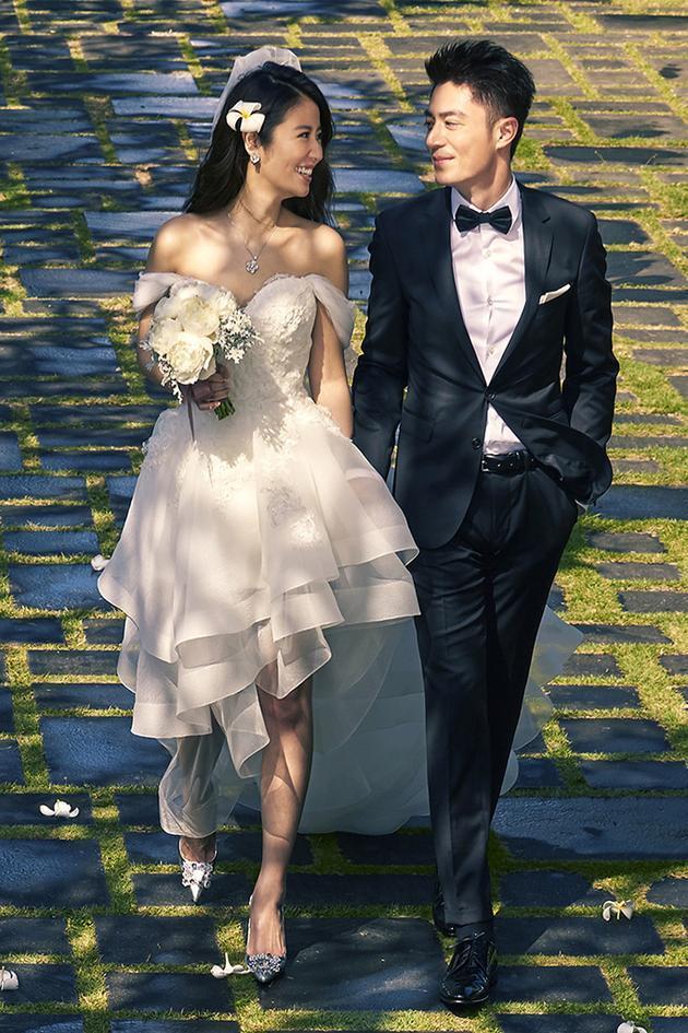 霍建华这样向林心如求婚:藏家中惊喜撒花瓣
