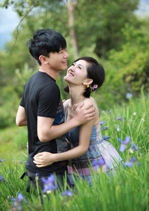 独家:谢娜微博宣布婚讯 王晶祝两人永远幸福
