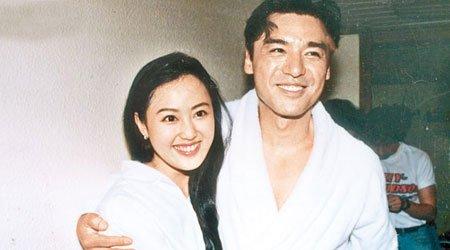钟镇涛和章小蕙结婚时,肯定没想到这个女人会败光他的身家
