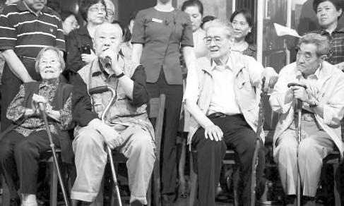 99岁艺术家吴淑昆去世 曾演茶馆庞四奶奶