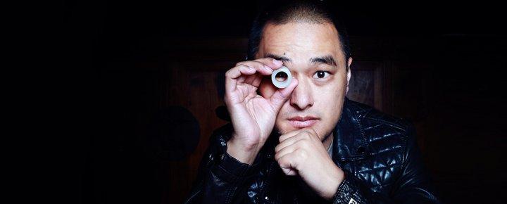 《万物生长》是冯唐第一个被改编成电影的小说,对此,他还是挺兴奋的。
